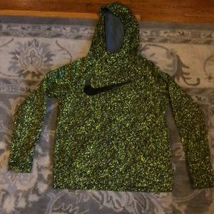 Boys Nike dri-fit sweatshirt. Size xl